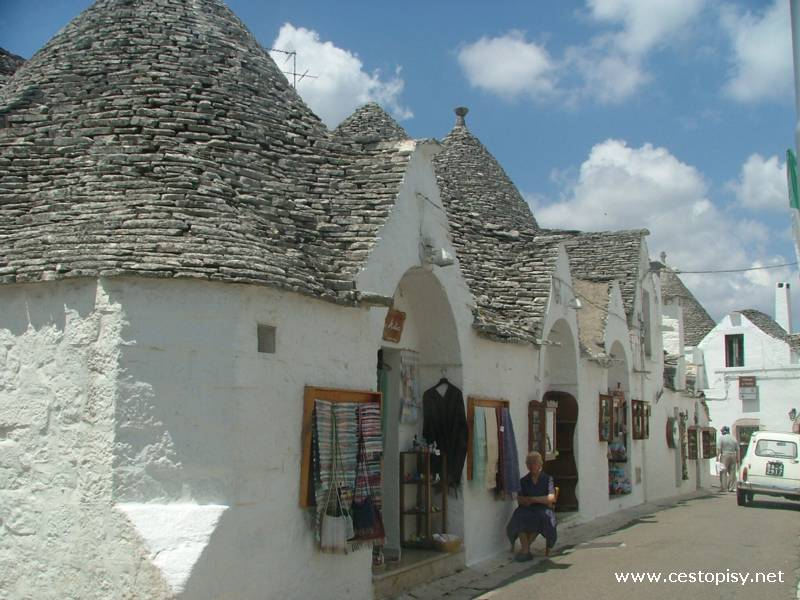 how to get from matera to alberobello