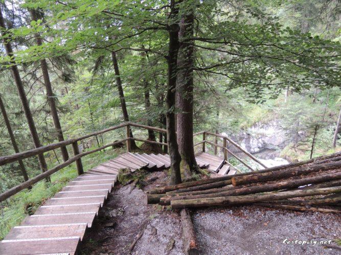 Rakousko - vodopád Golling a město Golling an der Salzach