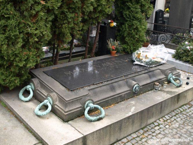 Praha – Vyšehradský hřbitov a chrám sv. Petra a Pavla