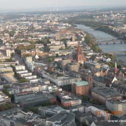 Frankfurt nad Mohanem – mrakodrapy, banky, bohatství ..... a dinosauři