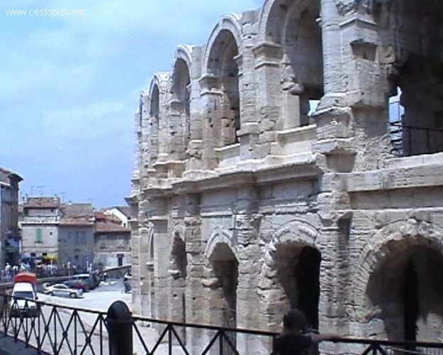 Provence - kraj umění, památek a levandule