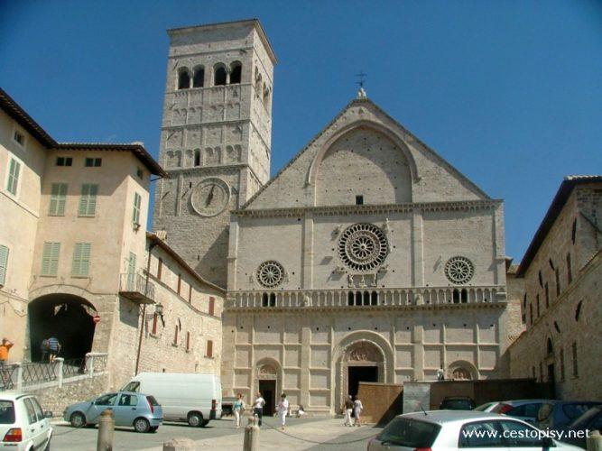 Itálie - Umbria – vnitrozemí s městy Assisi a Perugia
