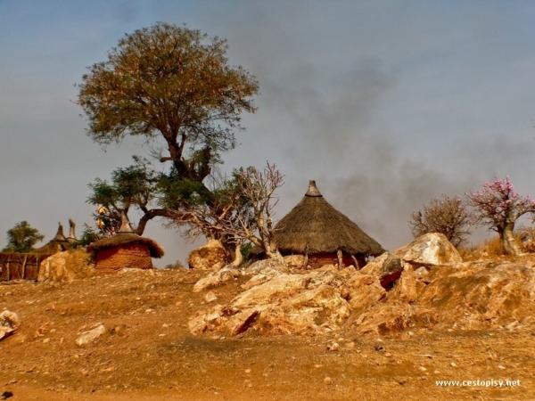Predmesti Kadugli-tradicni staveni Ghotiya