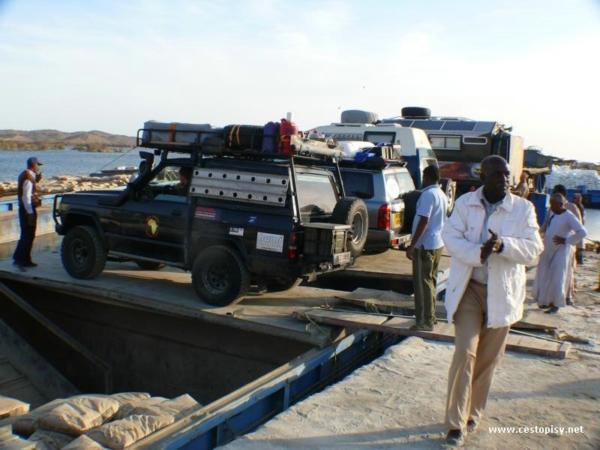Strasidelna kocabka jako trajekt z Egypta do Sudanu