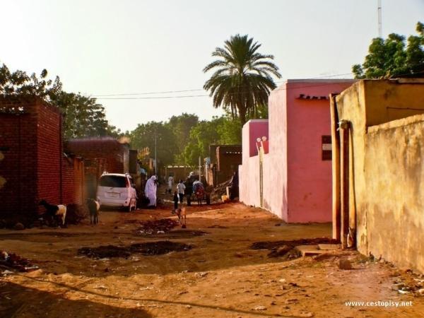 Ruch na ulici v Kadugli