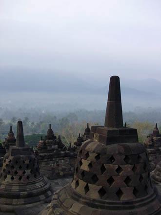 Borobudur – největší buddhistická stavba světa