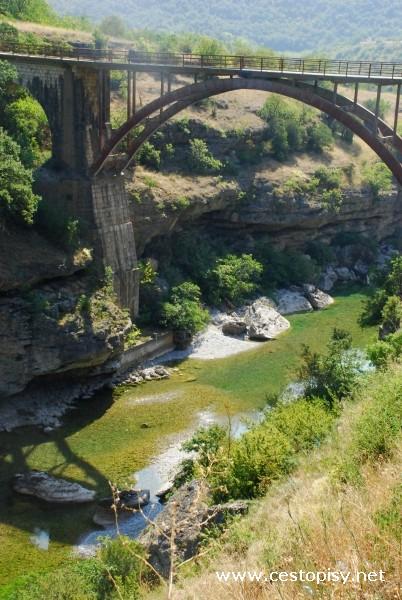 okolo řeky Tary
