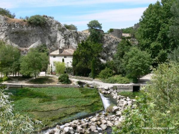 provance - Fontaine du Vaucluse