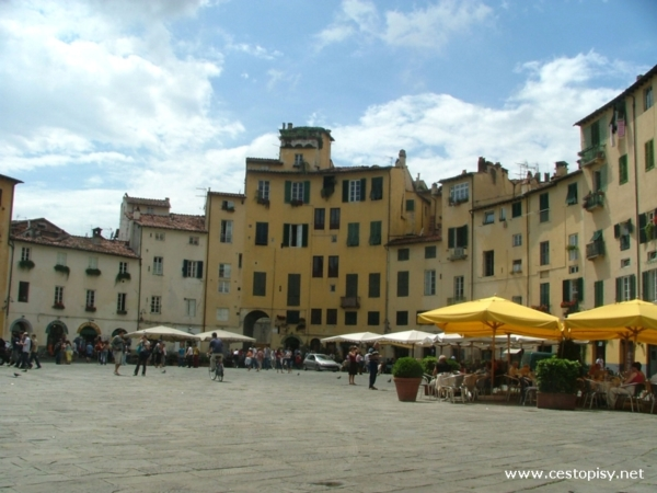 lucca4